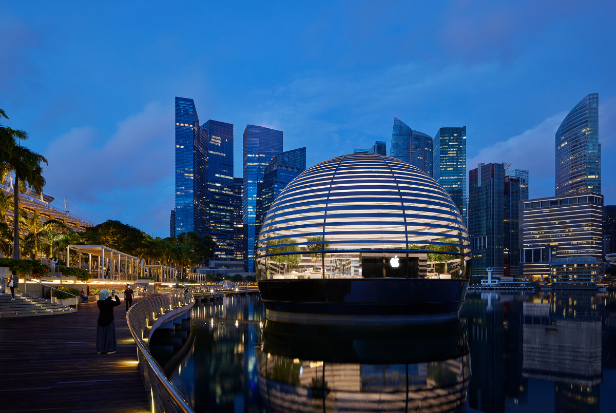 Marina Bay Sands Apple store opens in Singapore
