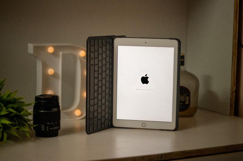 Apple insists the iPad Mini's jelly scrolling isn't a bug